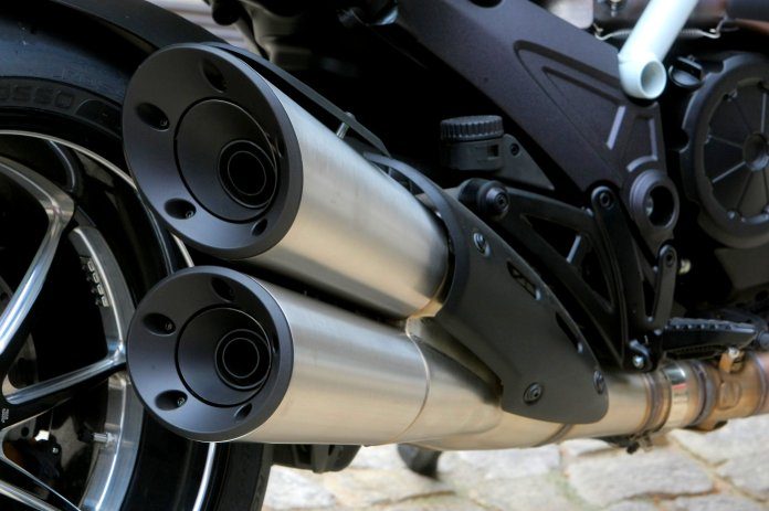 The new slashcut mufflers are standard, but look like high-end aftermarket units.