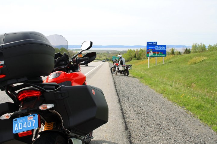 On the 101, just outside Wolfville. Like all highways, it's not terribly exciting, although in some parts the scenery actually beats the secondary roads with their views of front lawn after front lawn. Once you're clear of towns, though, that's mostly done with. Photo: Zac Kurylyk