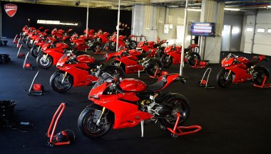 15-Ducati-1299Panigale_readytoride