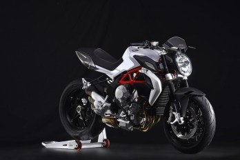 MV's Brutale 800 puts the inline triple motor into a very sporty chassis