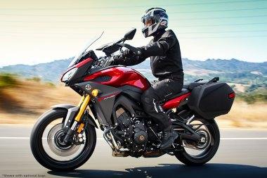 15_FJ09_Red-rider