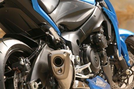 15_Suzuki_GSXS1000_close_RSR