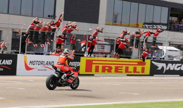 Chaz Davies taking home first place in race 2 at Motorland Aragon