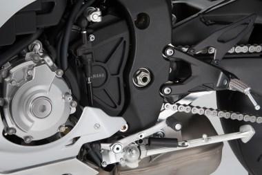 15_Yamaha_R1-shifter