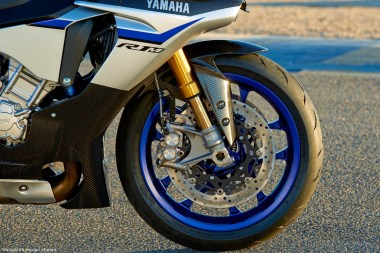 15_Yamaha_R1M-brakes