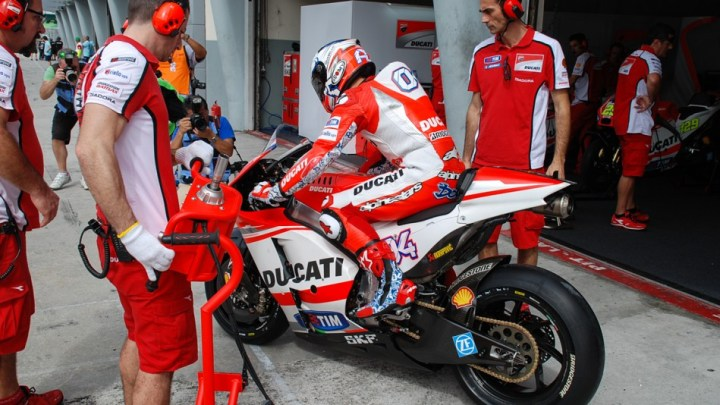 Ducati MotoGP team prepares to launch Dovizioso and Iannone. (Photo: Racemotogp.com)