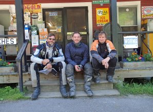 Gas stop Vermont style -'Arris, Eric and Jim. Photo: passing jogger