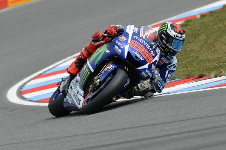 Yamaha Factory steamroller Jorge Lorenzo wins.  Easily.  Again.  Photo : MotoGP.com