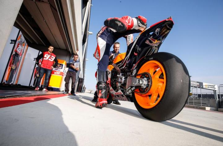 MotoGP riders perform last Michelin tire test