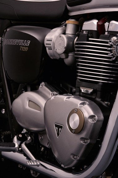 Bonneville_T120_Details_Engine_Timing_Side
