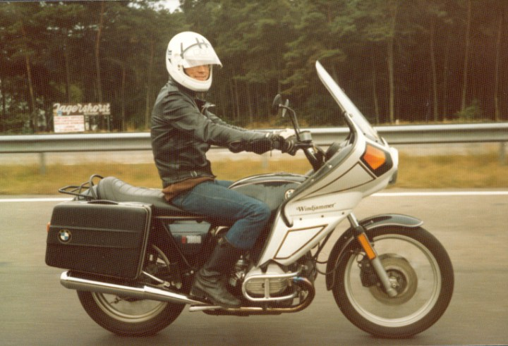 Vetter Windjammer made many motorcyclists smile, like this guy. Actual aerodynamic improvement was debatable.