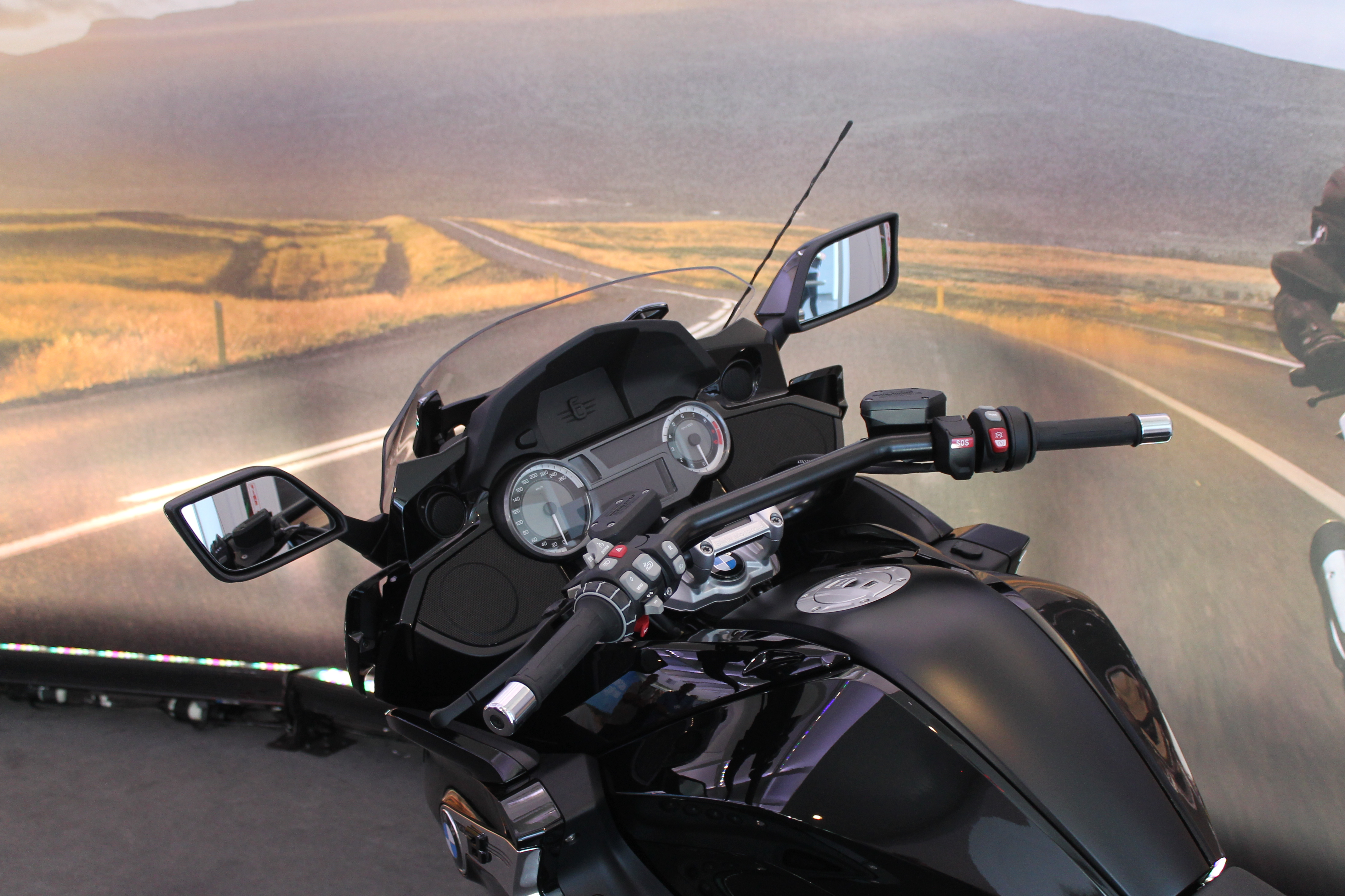 2018 bmw bagger motorcycle. contemporary bmw an overview of highlights the new bmw k 1600 b and 2018 bmw bagger motorcycle 2