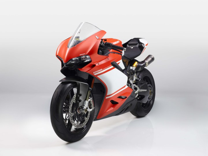 EICMA: Ducati's new superbike now official