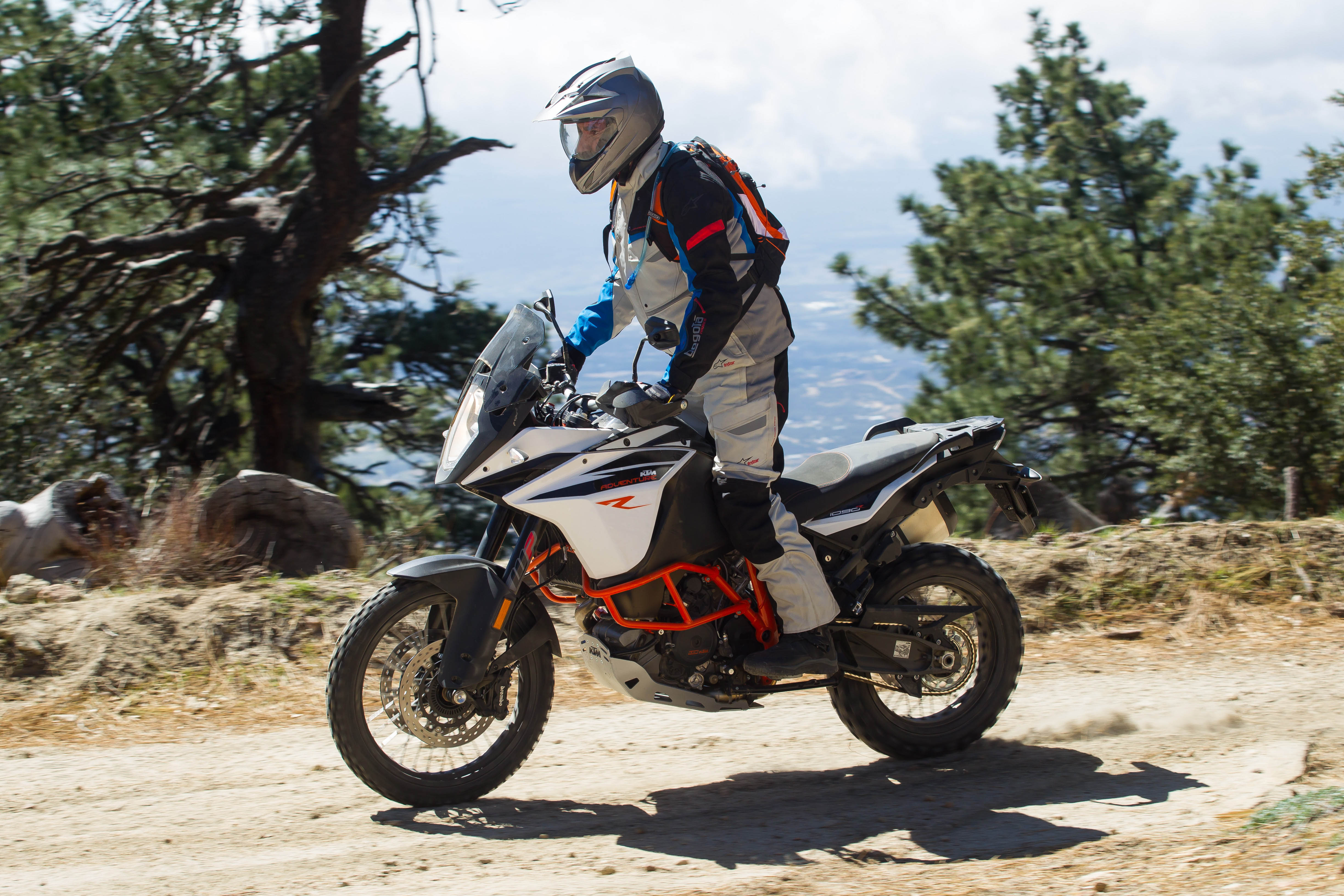 first ride: 2017 ktm 1090 adventure r | canada moto guide