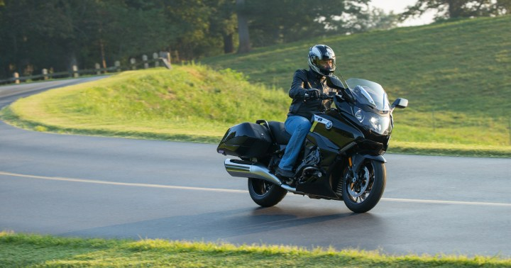 First Ride: 2018 BMW K1600B Bagger | Canada Moto Guide