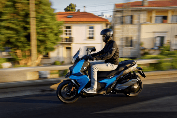 bmw c400x a maxi scooter for the modern world canada moto guide. Black Bedroom Furniture Sets. Home Design Ideas