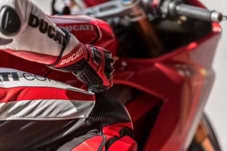 2018 Ducati Panigale V4 03