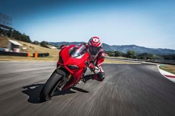 2018 Ducati Panigale V4 21