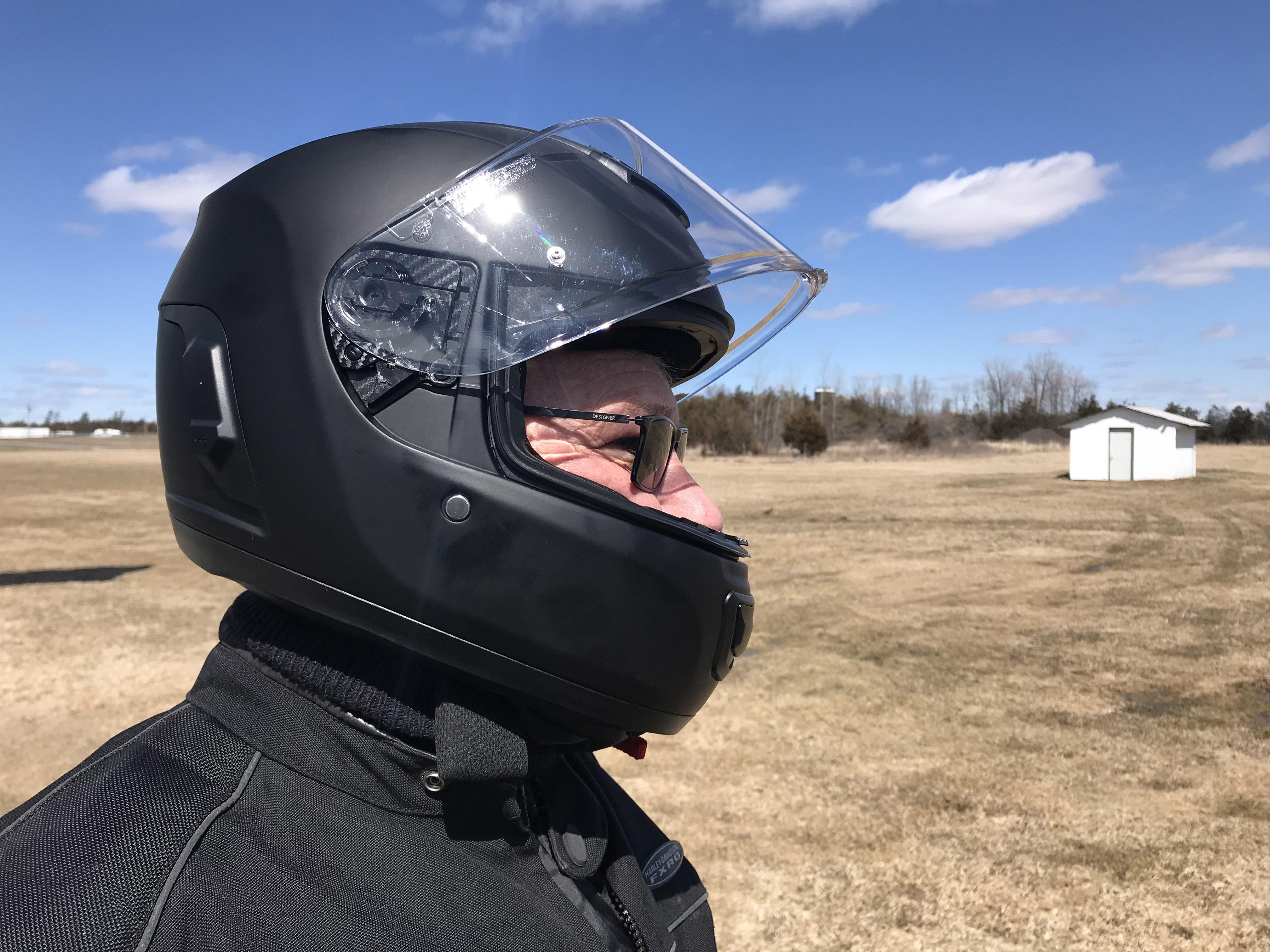 Gear review: Sena Momentum helmet | Canada Moto Guide