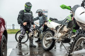 Riders prepare to leave their lunch break at Salisbury. The mid-day stop is often a make-it-or-break-it point for rallyists. Photo: Daniel Espinosa