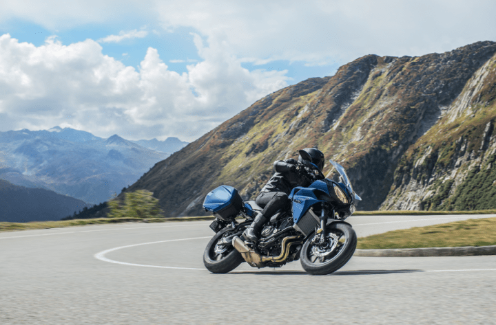 Yamaha Tracer 700GT: Middleweight sport touring is back!
