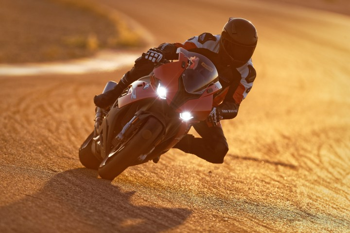 Superbike madness: 45 photos of the beautiful 2019 BMW S1000 RR