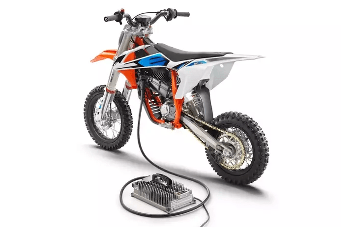KTM SX-E 5: An electric minibike for Team Orange