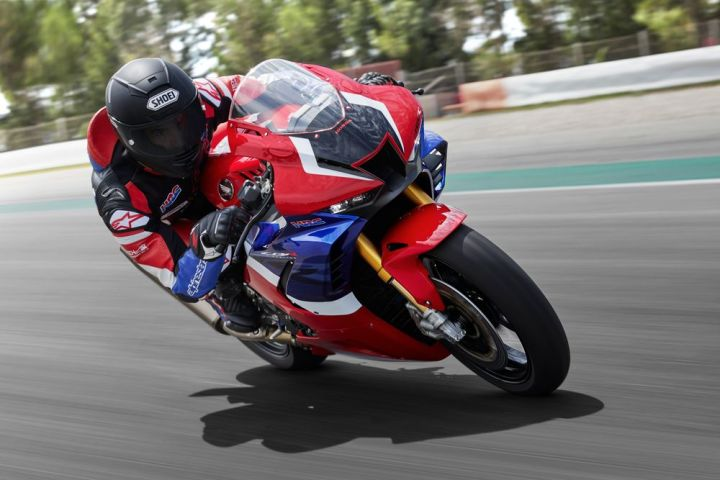 Honda CBR1000RR-R: Hustle, with muscle behind it