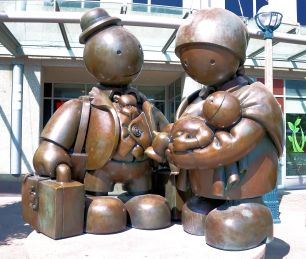 """Immigrant Family"" (2007), Tom Otterness"