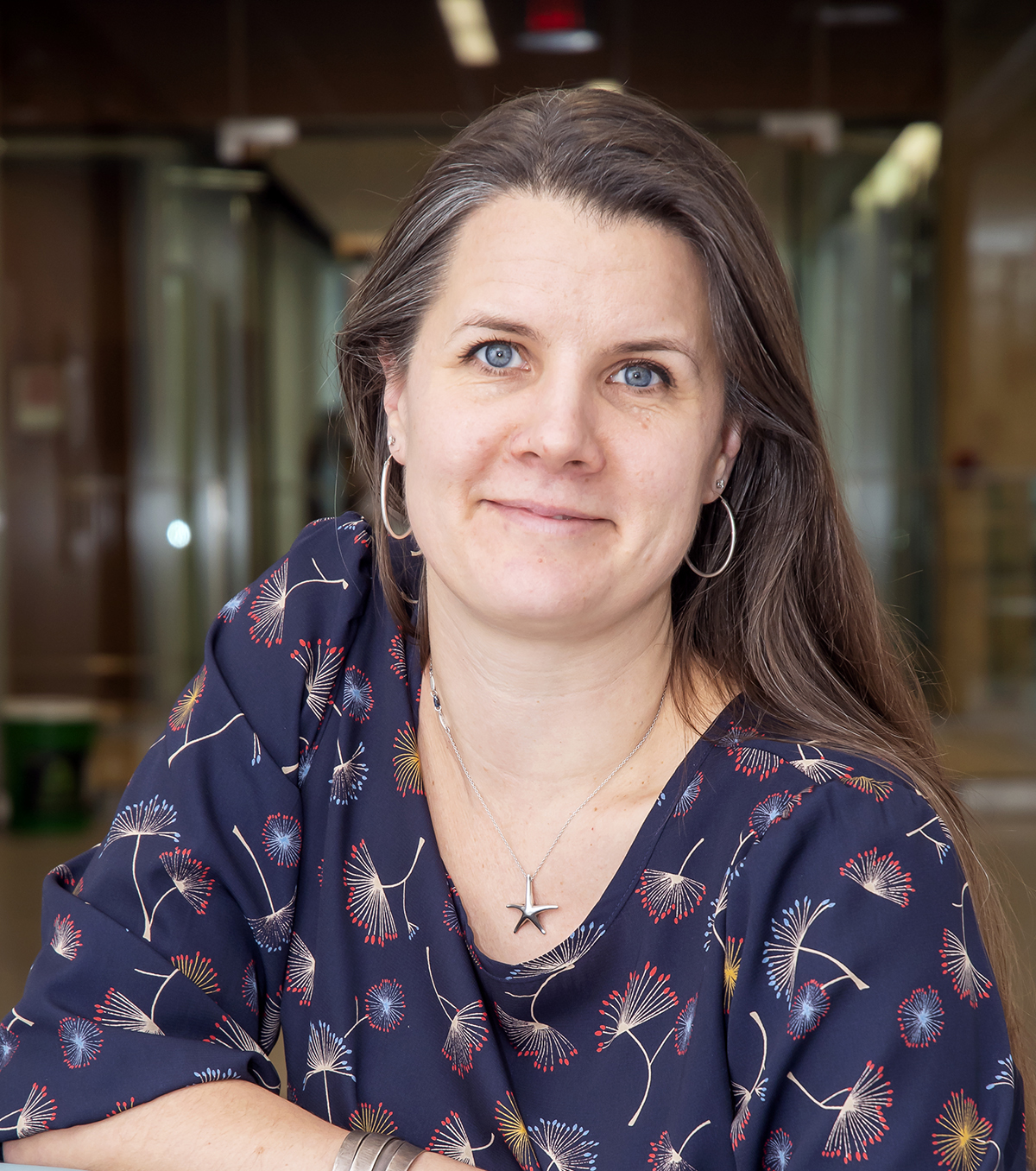 Dr. Melissa Holmes, Associate professor