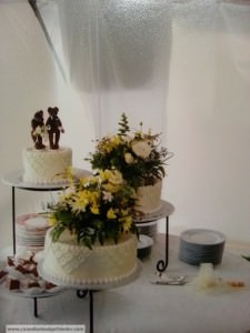 wedding-cake-fresh-flowers
