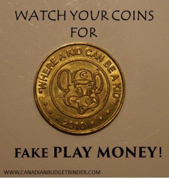 FAKE PLAY MONEY CHUCK E CHEESE TOKENS(1)