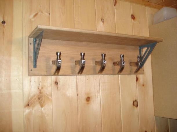 hammer coat rack for fathers day diy(1)