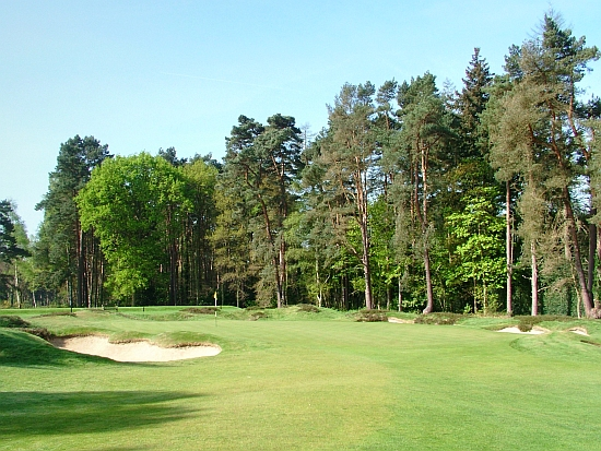 Old #3: The short third hole at Sunningdale Old. Notice the green surrounds.