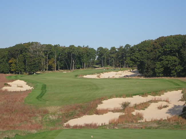 The par-5 seventh has a splendidly wicked green.