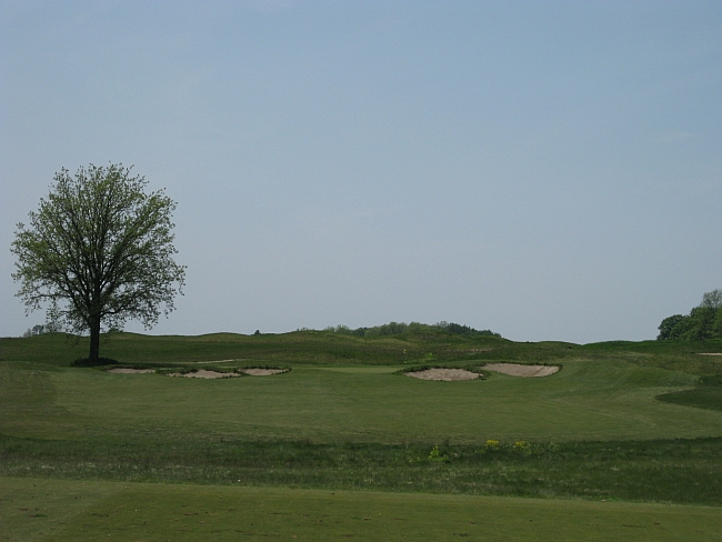 Links in a farmer's field: Tarandowah's par-3 third shouldn't work -- but it does