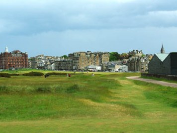 On 17th tee at Old Course