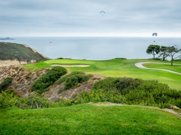 Towards the ocean the beautiful downhill 3rd hole at Torrey Pines South