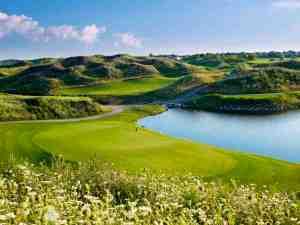 Turnberry Golf Club, Brampton, Ontario Hole No. 16 (Image: Clive Barber)