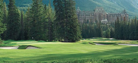 Banff Springs Golf Course and Banff Springs Hotel (Image: Fairmont Banff Springs)