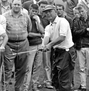 Moe Norman in golf tournament surrounded by spectators