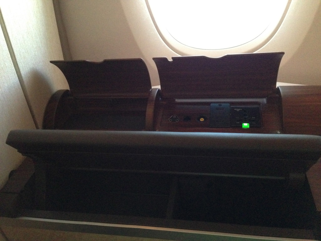 Singapore Airlines A380 Suites Storage Space