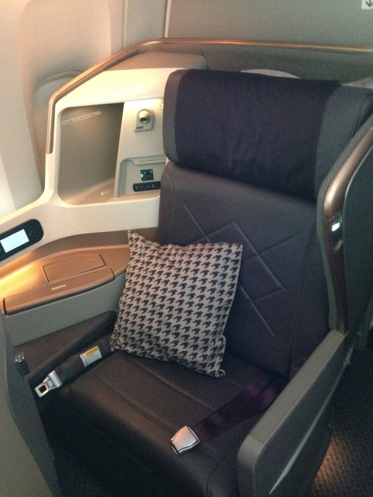 Singapore Airlines New 77W Business Class Seat