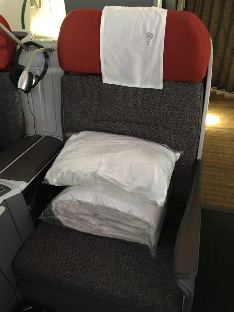 LAN Business Class Bedding