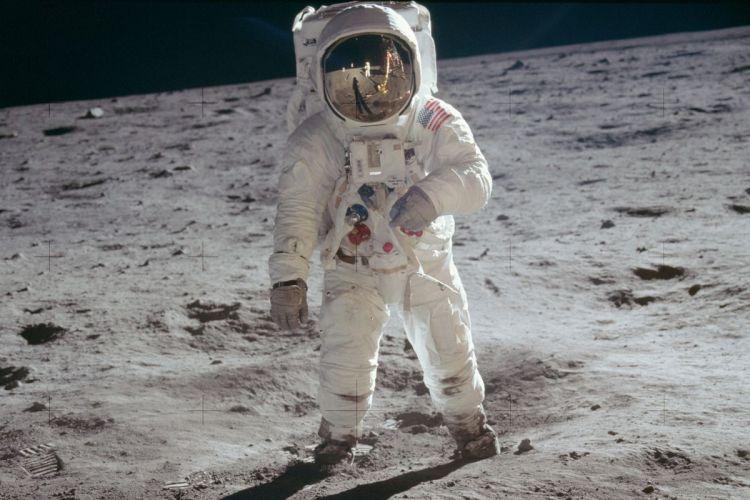 Atterrir sur la lune