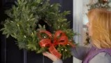 How to hang a door wreath - no tools required | Canadian Tire