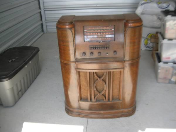 Westinghouse 1182x Antique Console Radio