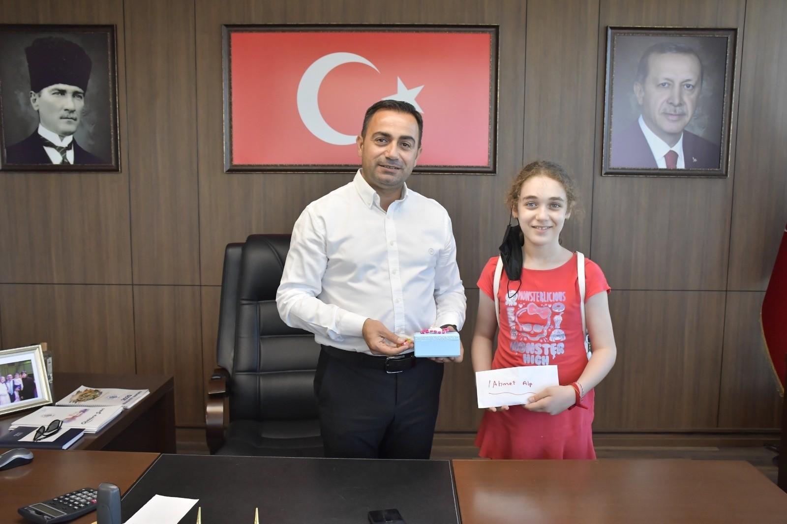 Elifnaz'dan, SMA hastası Ahmet Alp için örnek davranış