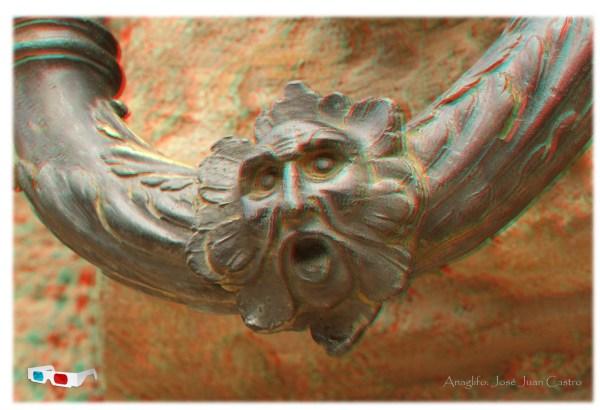 Anaglifo del detalle de una anilla de la fachada del Palacio de Carlos V