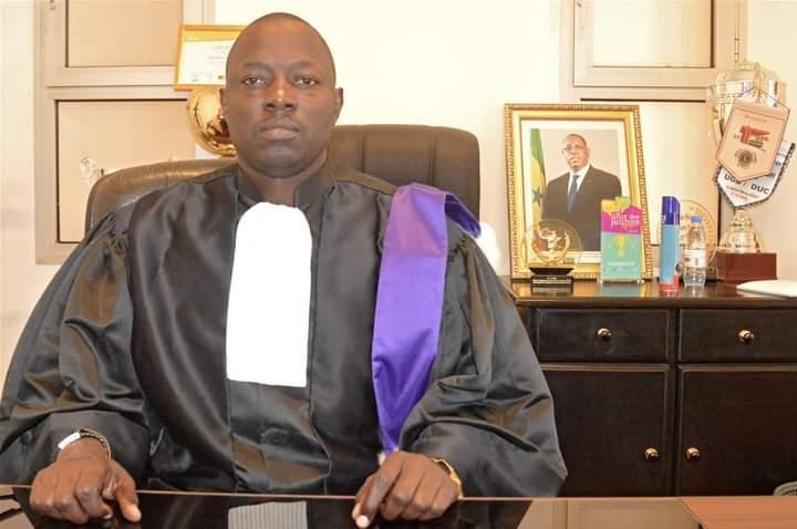 Photo recteur Ousmane Thiaré